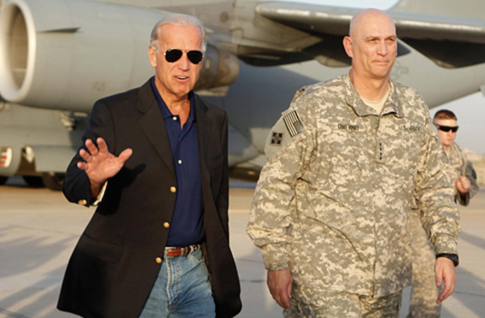 Joe Biden lands in Iraq, August 20, 2010