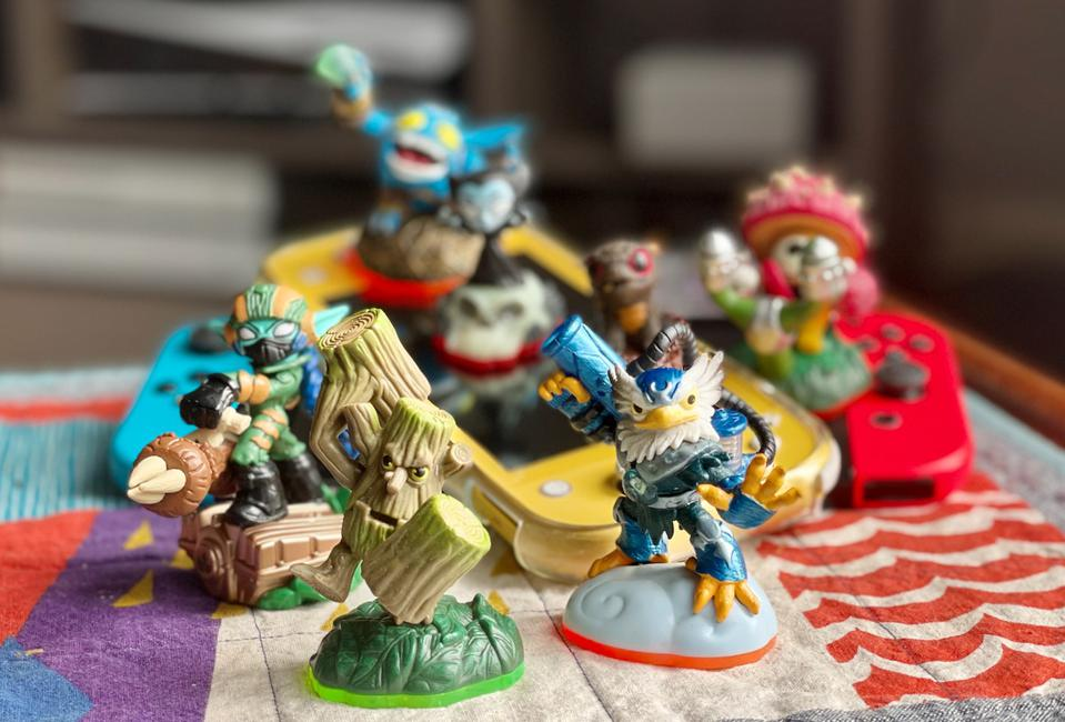 Toy figurines required to play the Skylanders games.